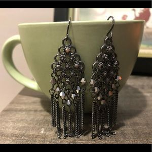 Jewelry - Silver chain statement earrings